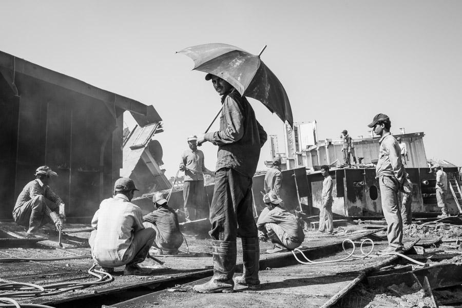 shipbreaking workers