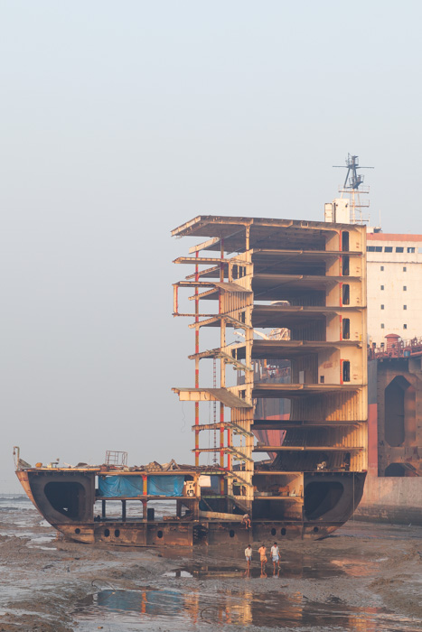 shipbreaking dismantled boat