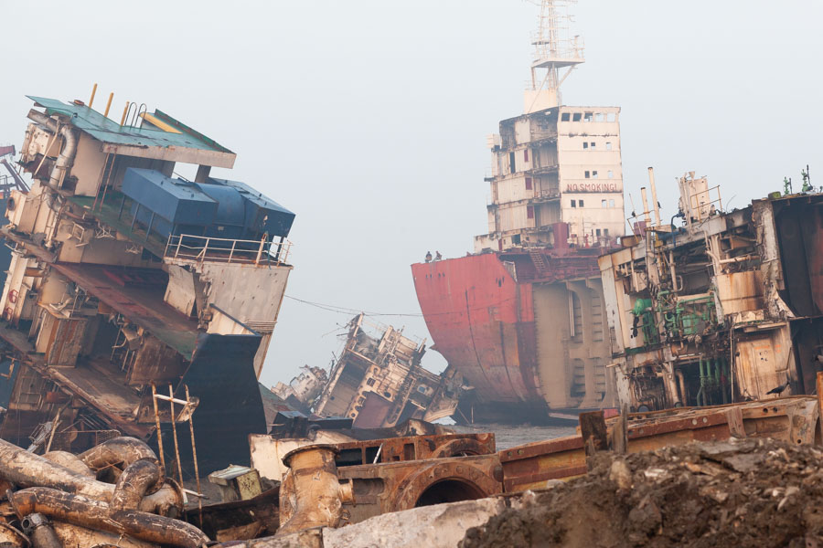 ship grave yard bangladesh